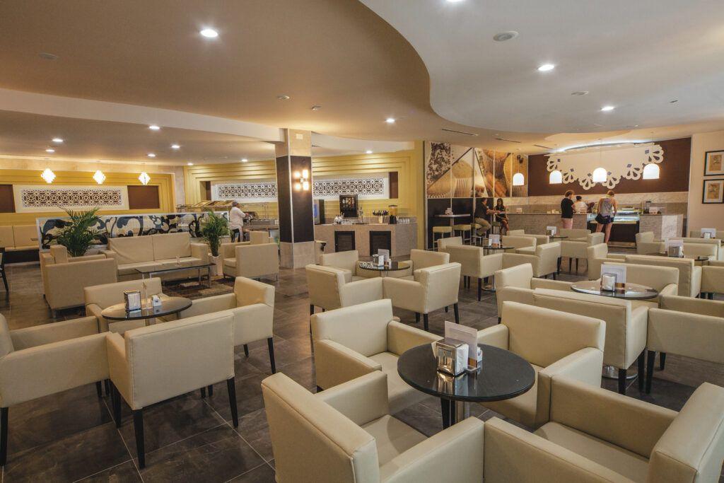 Riu Palace Antillas Lounge 24_Capuchino