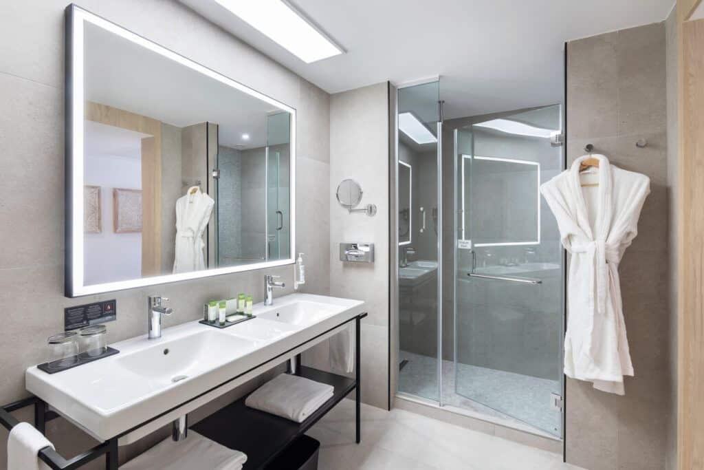 Double room badkamer