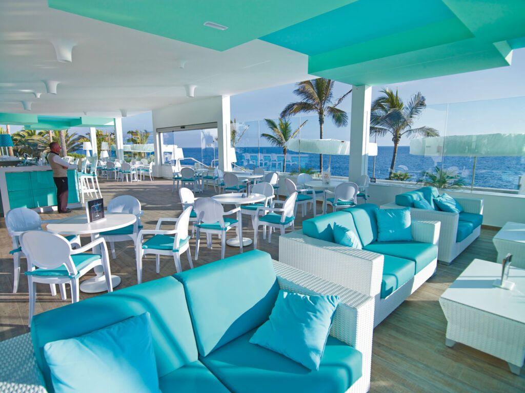 Riu Palace Meloneras Poolside bar