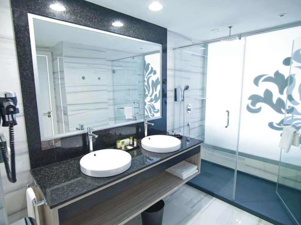 Double room Front sea view_bathroom