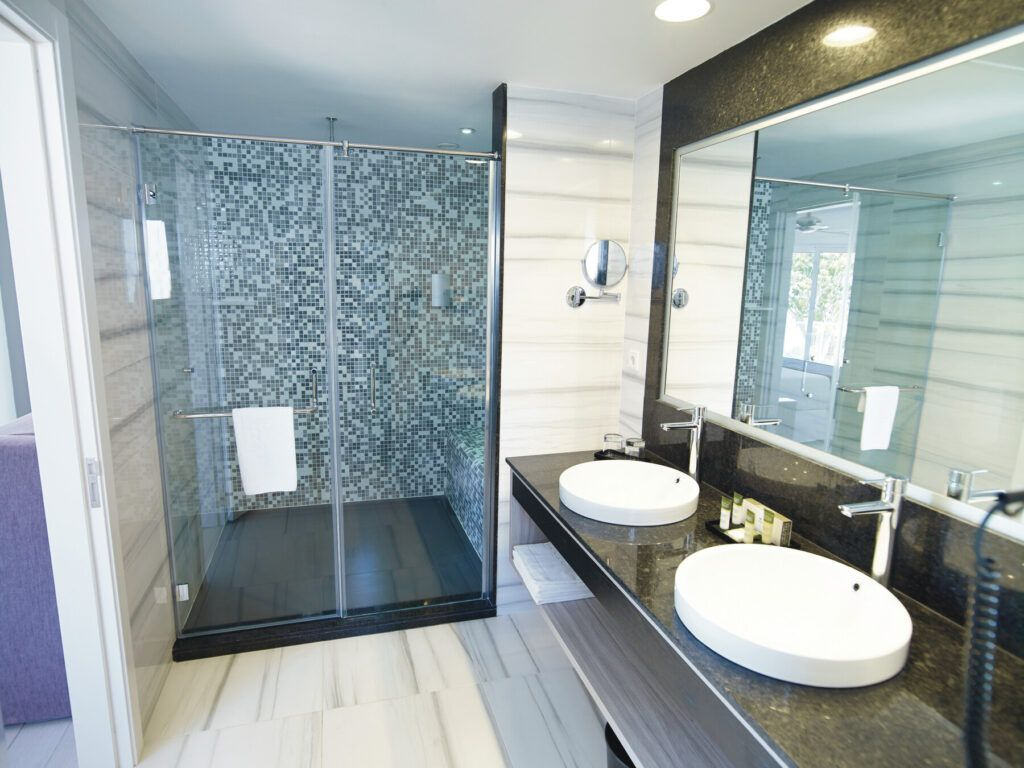 Superior double room_bathroom