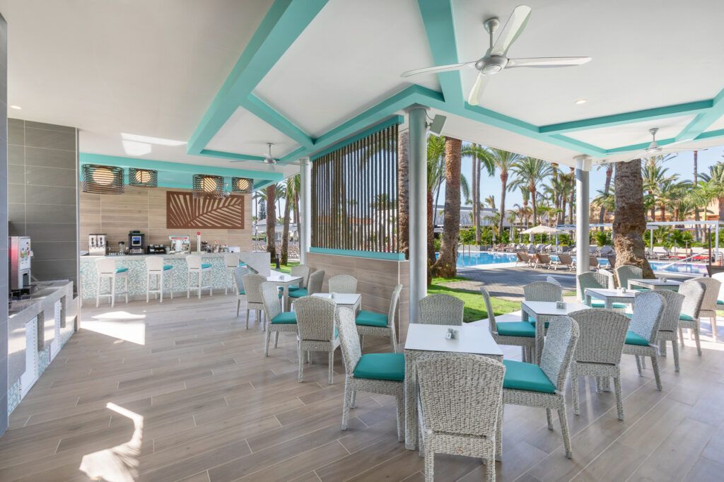 Riu Palace Palmeras Pool bar
