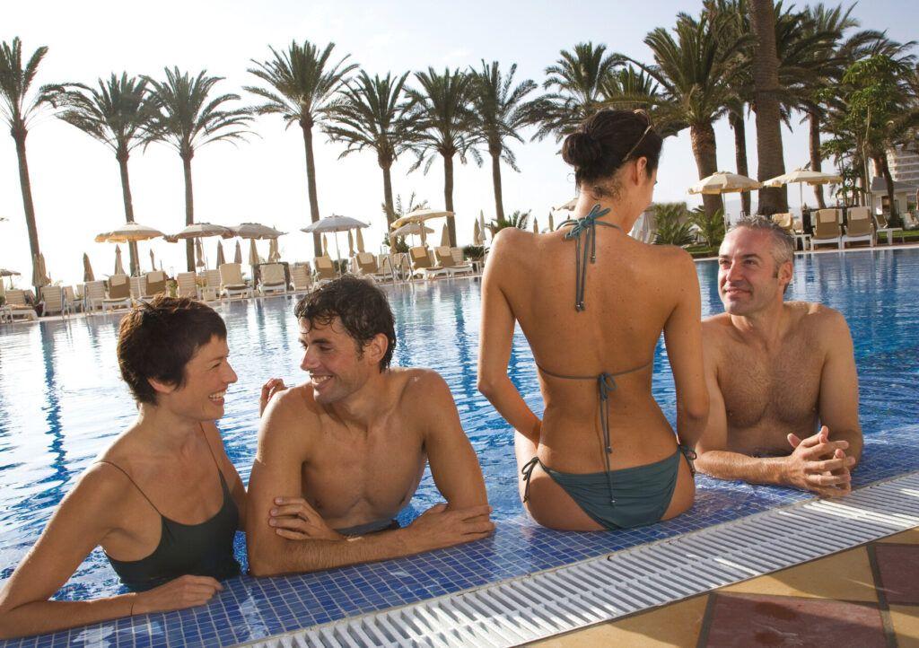 Riu Palace Tres Islas zwembad