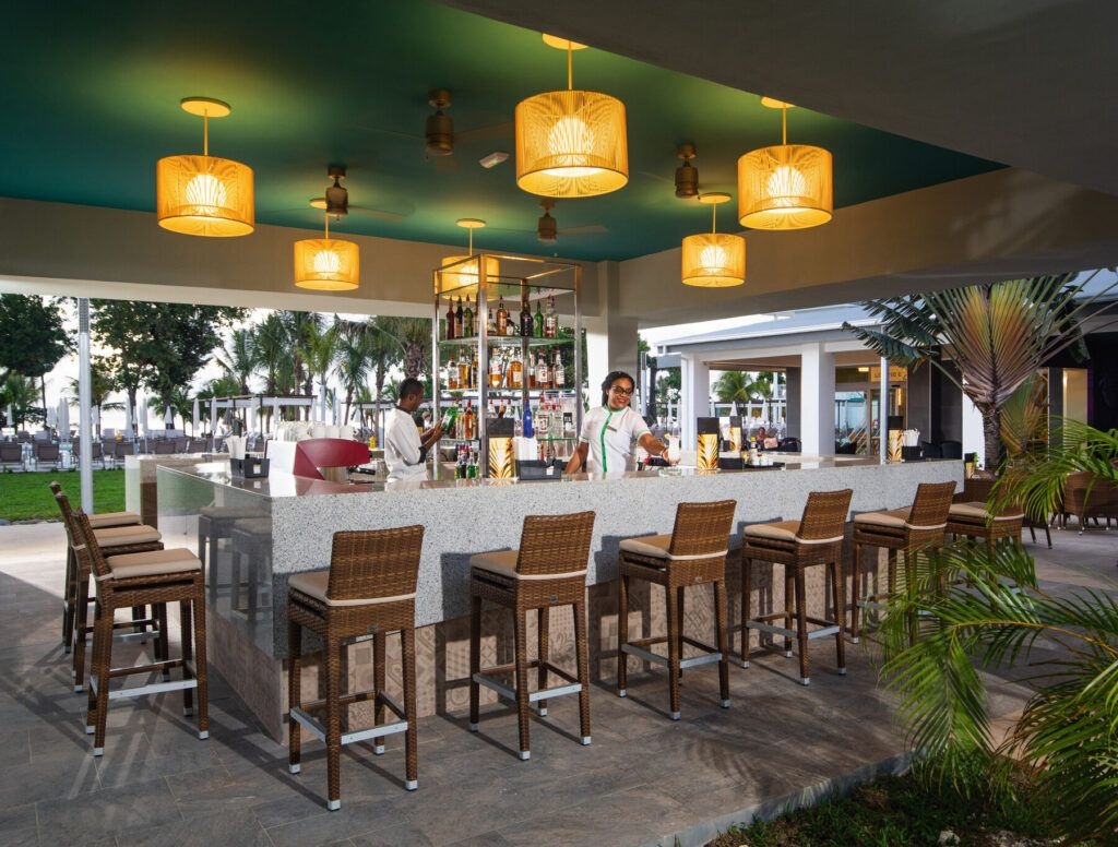Riu Palace Tropical Bay Plaza bar