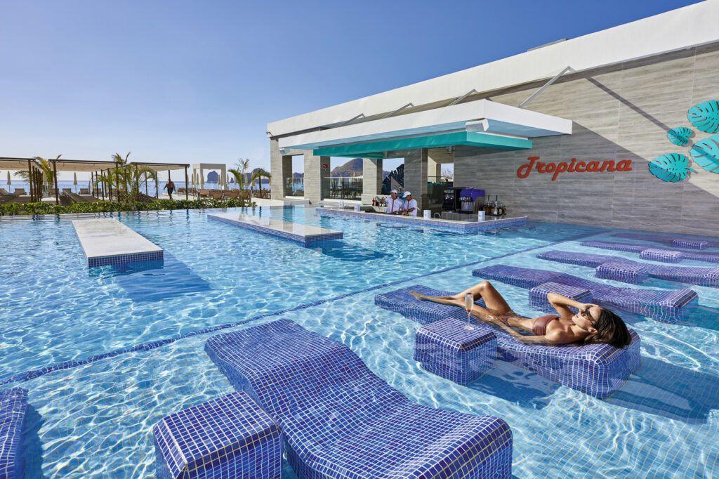 Riu Palace Baja California Pool bar