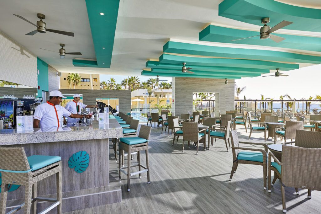 Riu Palace Baja California Poolside bar