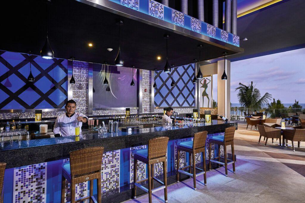 Riu Palace Costa Mujeres Lounge bar