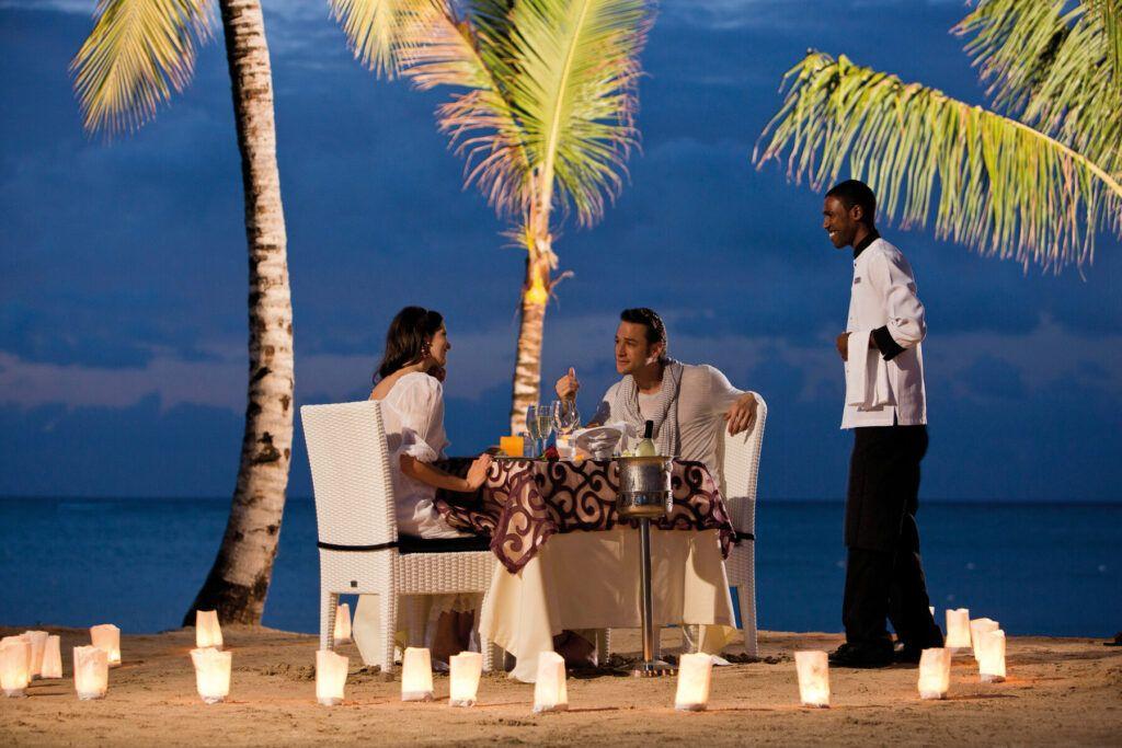 Riu Palace Jamaica Romantic beachside dinner