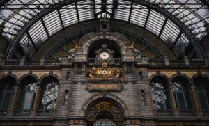 Antwerpen Centraal by polly unsplash