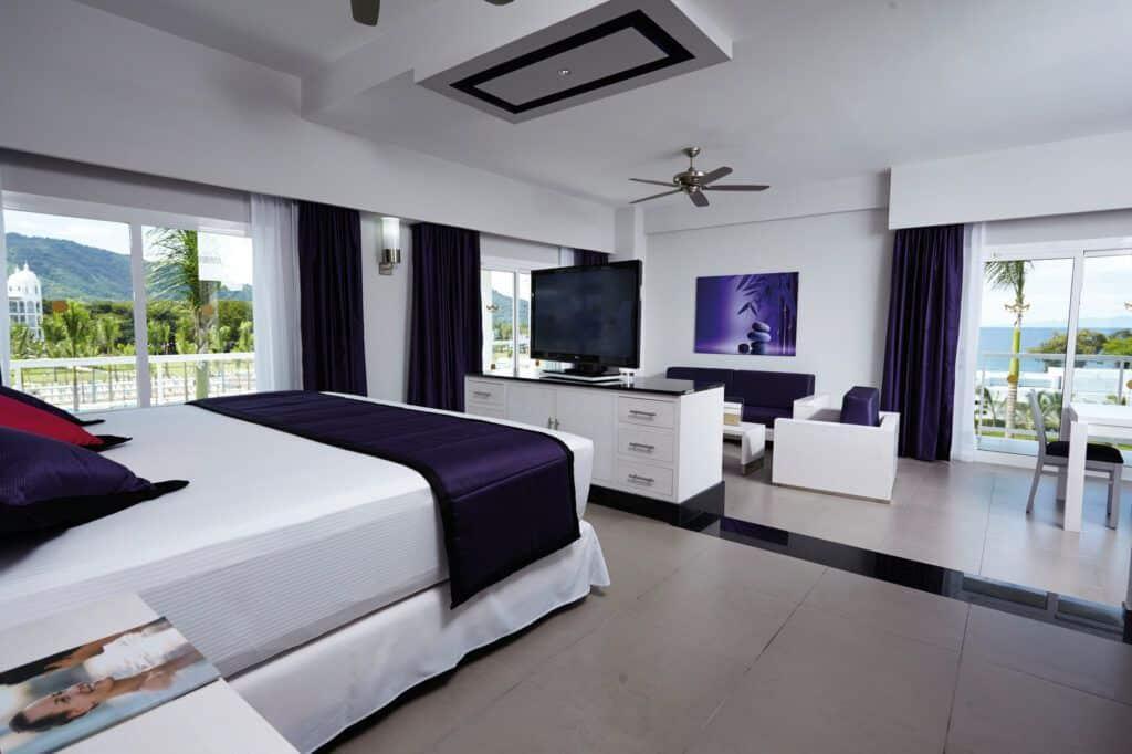 Riu Palace Costa Rica Jacuzzi suite
