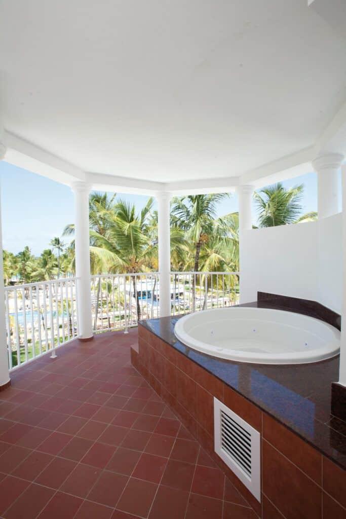 Riu Palace Macao Whirlpool Bath Suite