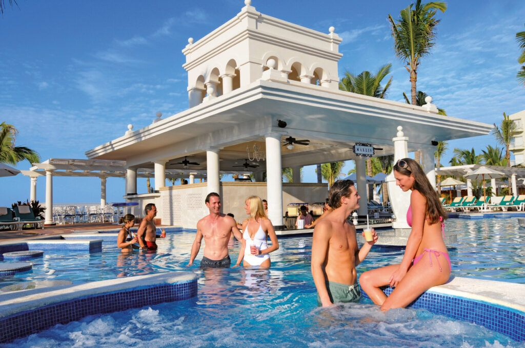 Riu Palace Pacifico swim-up bar