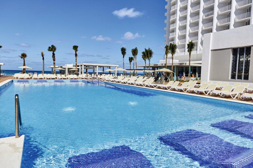 Riu Palace Punta Cana Swimming pool