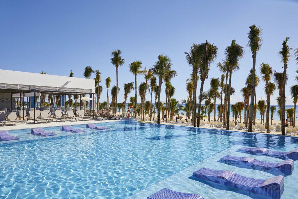 Riu Palace Riveira Maya Pools