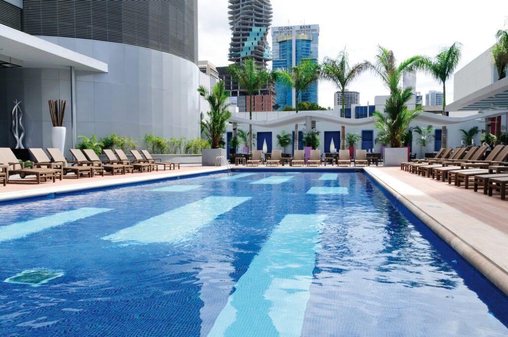 Riu Plaza Panama  Pool