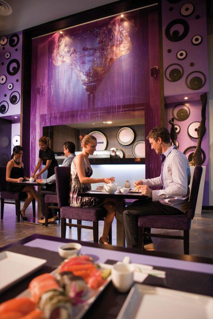 Riu Plaza Panama  Lobby Bar & Sushi Lounge