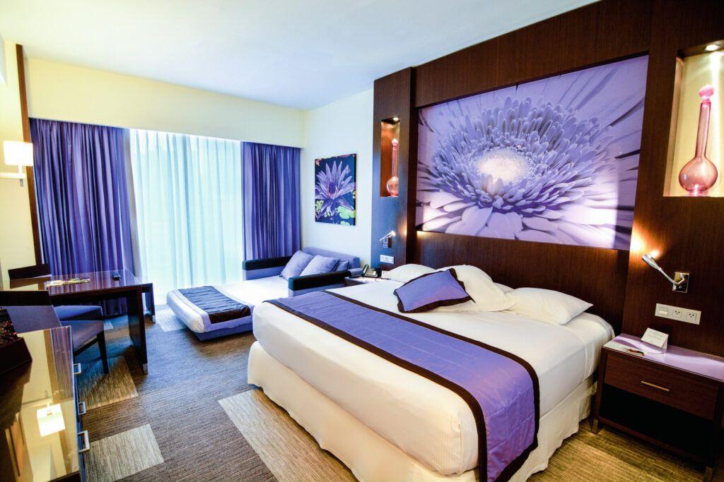 Riu Plaza Panama Deluxe family king room