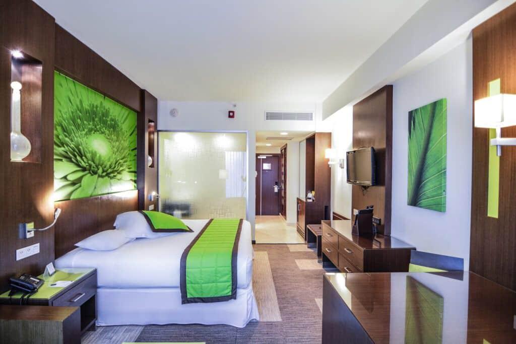 Riu Plaza Panama Deluxe room